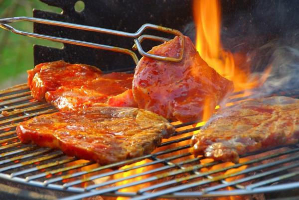 6 điều cần tránh khi nướng thịt