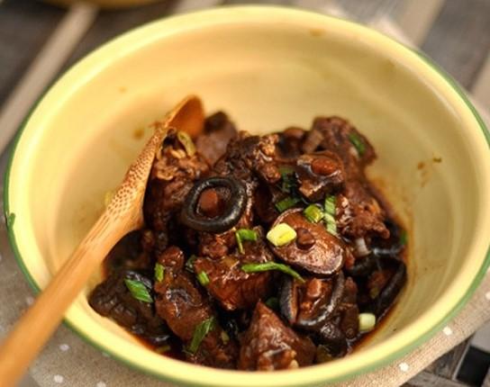 Thịt bò hầm nấm đậm đà ngon cơm