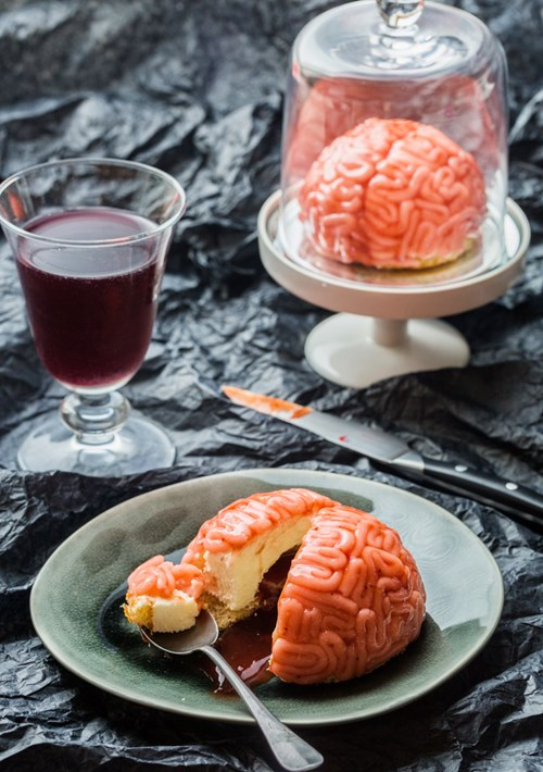 Halloween độc đáo với món bánh bộ não vị vani dâu tây