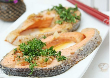 Cách làm cá hồi nướng bằng chảo cực thơm ngon