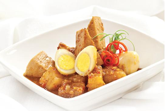 Trứng cút kho giò lụa-món ngon dễ làm