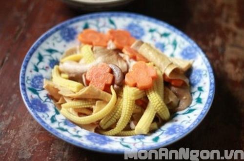 Nấm xào rau củ thanh đạm cho ngày ăn chay