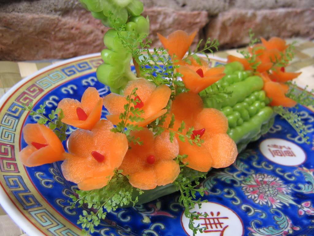 Những mẫu tỉa trang trí món ăn tuyệt đẹp