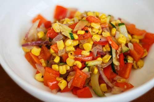 Salad rau củ nướng vui mắt ngon miệng