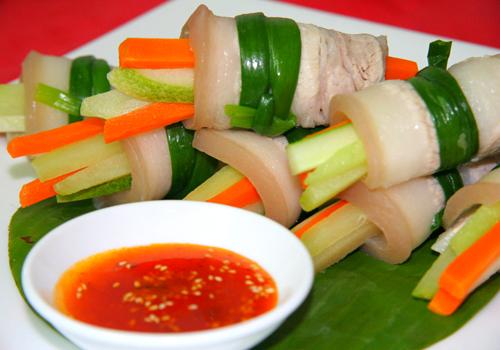 Thịt ba rọi cuộn rau củ