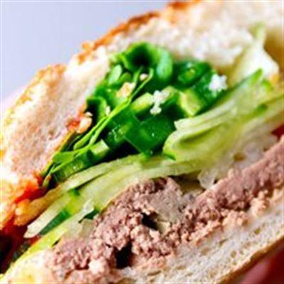 Bánh Mì Chấm Pate – Chu Văn An