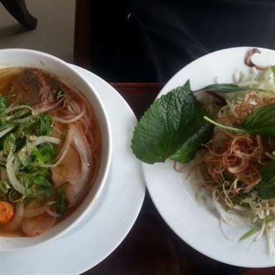 Chị Quỳnh – Bún Bò & Sốt Vang