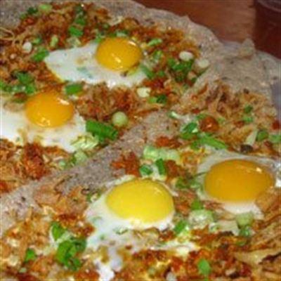 Dì Nguyệt – Bánh Tráng Nướng