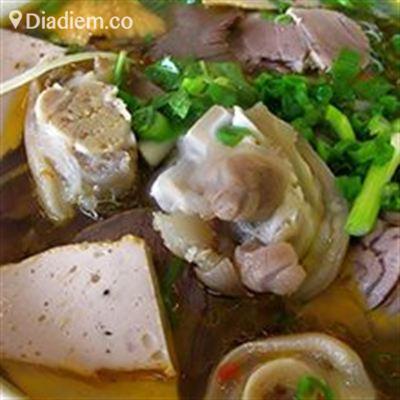 Bún Huyền Trang – Bà Huyện Thanh Quan