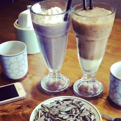 Alya Cafe