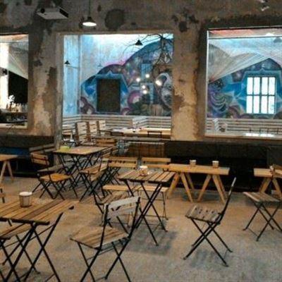 Fanxipan Studio Cafe