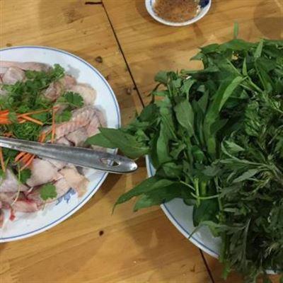 Hà Chiêm – Cơm Ngon & Rau Rừng Gà Đồi