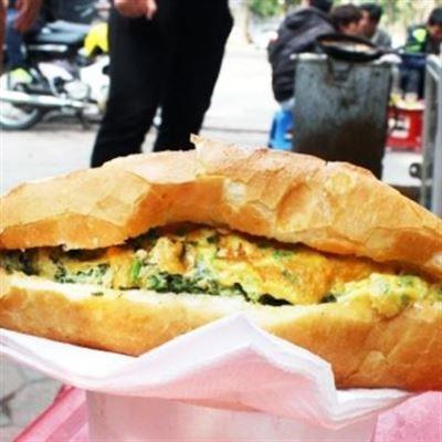 Bánh Mì Thịt & Ốp La