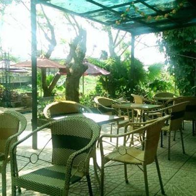 Nam Giang Cafe
