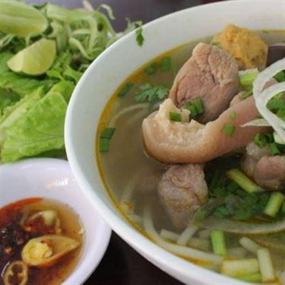 Ba – Phở Bò & Bún Bò Huế