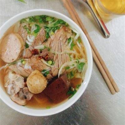 Hoàng Linh – Bún Bò Huế