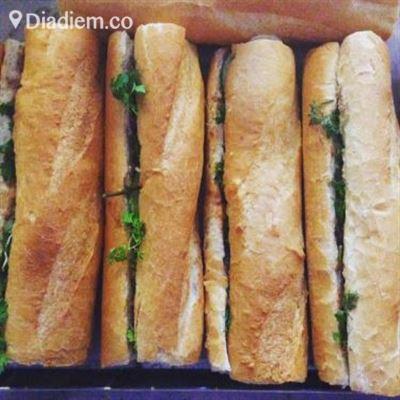 Bánh Mì Giòn – Trần Hưng Đạo