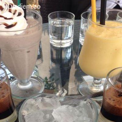 Đom Đóm Cafe
