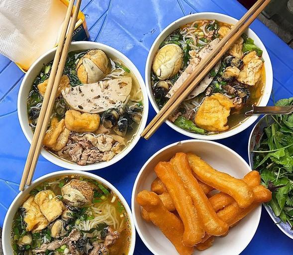 Top 15 quán ăn đêm ngon nức tiếng giữa lòng Hà Nội