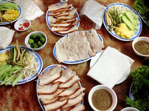 Đặc sản Trần – Bánh tráng cuốn thịt heo