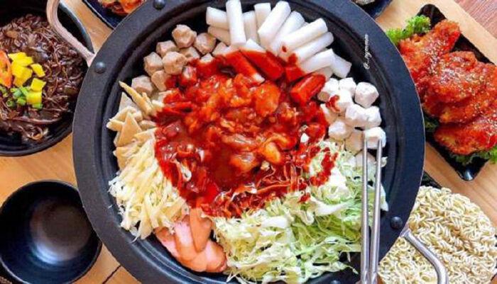 Tổng hợp Top 10 quán ăn ngon quận Đống Đa, Hà Nội mà bạn nên thử